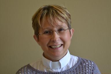 Pastor Ellen Schoepf